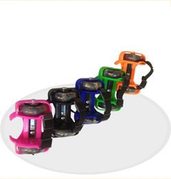 Scarpe lampeggianti per i bambini online-Pattini di pattinaggio dei bambini di alta qualità con il rullo infiammante del motore piccolo Pattino di flash adulto del bambino portatile Sicuro e conveniente 15bd Y