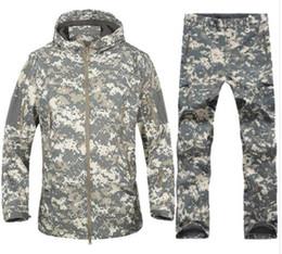 2019 vêtements d'équipement tactique Tactical Gear Softshell Camouflage Suit Hommes Armée Imperméable Chaud Uniforme Militaire Coupe-Vent Polaire Manteau Militaire Vêtements Ensembles vêtements d'équipement tactique pas cher