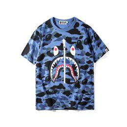 Novos homens da chegada camisetas on-line-Novidade Mens Camiseta Camuflagem Impressão Tubarão de Manga Curta T Camisas New Arrival Tees Homens e Mulheres Em Torno Do Pescoço Tops M-2XL
