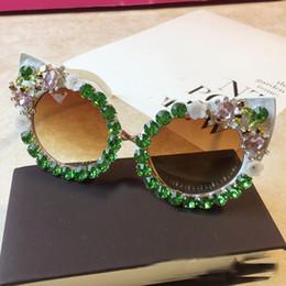 Óculos de sol de festa de design on-line-Marca de design artesanal strass cat eye óculos de sol moda óculos mulheres flor com pérola rodada vintage óculos de sol da praia festa