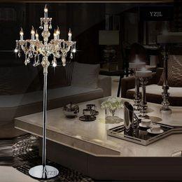 2019 candeeiros de pé Lâmpada de assoalho de luz de cristal moda moderna chão de casamento lâmpada de assoalho de cristal E14 quarto sala de estar interior decorativo 7 Cabeças desconto candeeiros de pé