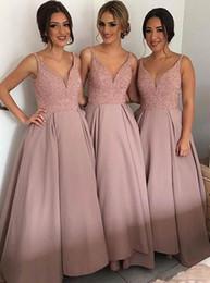 mejores vestidos de satén Rebajas Blush Pink Cheap Country Vestidos de dama de honor Los mejores vestidos de bohemia de satén con abalorios con cuello en V Hi Low Backless Prom Promo Dress Maid Of Honor Dress