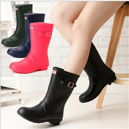 Wholesale Boots Rains - Fshion Girls Rainboots Mid-calf Low Heels Rain Boots Women Famous Brand Waterproof Rubber Water Shoes Ladies Outdoor Rainshoes 4 Colors