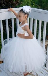 Marfil vestidos de dama de honor niños online-Nueva White Ivory Little Girl Flower Girl Dress Ropa de los niños Tulle Princess Brithday Communion For Formal Wedding Occasion Vestido de la dama de honor