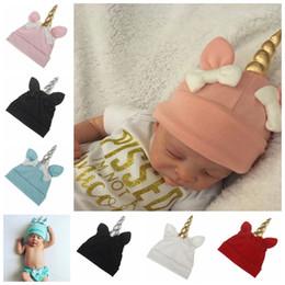 6b4cf4eb9be 2019 berretto da compleanno Unicorn Baby Hats Neonato Bowknot Caps Bambini  Inverno Crochet Knit Hat Bambino