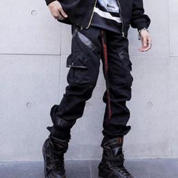 lederne jogger Rabatt Herbst Männer Leder Patchwork schwarz Punk Hip Hop Cargohosen mit vielen Taschen Herren Japan Stil Hiphop Harem Hosen Jogger