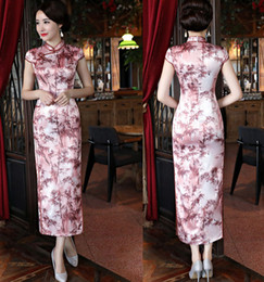Wholesale traditional satin cheongsam - 2018 Traditional Chinese Cheongsams Long Silk Satin High Neck Printed Women Sexy Qipao Formal Gowns For Special Occasions Cheongsam Cheap