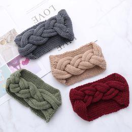 cappellino di treccia Sconti 1PC Fashion Women Braid Cable Knitted Headband Crochet Winter Turbante Warm Headwrap Wide Hair Band Ear Warmer Accessorio
