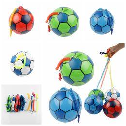 Nouveautés gonflables en Ligne-20 cm PVC Gonflable Entraînement Football avec Chaîne Piscine Football Jouer Eau Jeu Ballons Plage Fête Sport Jouets Articles De Nouveauté GGA1172