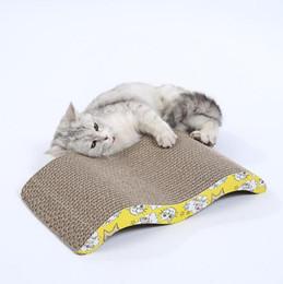 2019 rats jouets en gros Chat gratter poste pet chat jouet matériau carton ondulé dégradable pour chats sharpen claw interactif jouet formation planche à gratter
