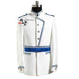 vestito reale nobile Sconti Costumi maschili da indossare in stile europeo per gli studenti Studio ospita l'incontro annuale dei costumi da principe bianco vestito dell'esercito europeo