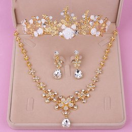 Wholesale Tiara Necklace Set Pearl Crystal - Luxury Bridal Jewelry Sets Pierced Earrings Rhinestone Pendants Necklace Hot Sale Headpieces Princess Crown&Tiara 2018 New