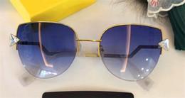 2019 sonnenbrillen farbige linsen Populäre Designerfrauen-Sonnenbrillemetallhalbrahmen-Katzenauge der neuen Art und Weise mit Diamantrahmen löschen helle helle Linse ultra-light eyewear 0242 günstig sonnenbrillen farbige linsen
