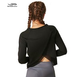 2019 camiseta de puños largos Sirena Curva Camisa de yoga Mujeres de manga larga suelta Fitness t-shirt Mujer Cuff pulgar estilo de conexión Ejercicio deporte Ropa de gimnasia camiseta de puños largos baratos