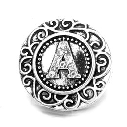 Letras de strass negro online-Black / White Style 26 English Letters Metal Rose Jewel Design botones a presión 18mm Crystal Rhinestone Button Charms para joyería DIY Snap Findings