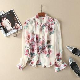 Écharpe papillons en Ligne-Vêtements pour femmes européennes et américaines en 2018 Le nouveau printemps chemise à manches longues col écharpe chemise à fleurs