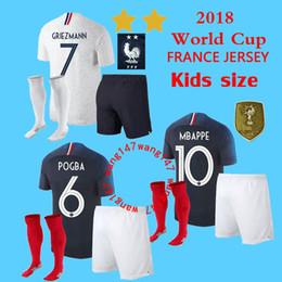 bc92a922c6 2019 xs camisas kits infantis + meia france Two stars França GRIEZMANN  MBAPPE POGBA camisas de