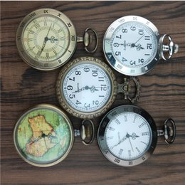 25e735308a0 100 pcs Vintage Bronze Mapa Design Branco Dial Relógio De Bolso De Quartzo  Pingente de Mulheres E Homens Colar Relógio Relógio de Bolso Atacado