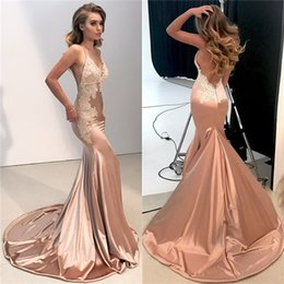 Wholesale Light Fittings - Sexy V Neck Backless Lace Prom Dress 2018 Mermaid Spaghetti Straps Long Evening Gowns Appliques Fitted BA8287
