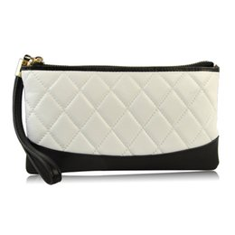 Чехол для мобильного телефона онлайн-Women Genuine Leather Clutch Handbag Wristlet Purse Cellphone Mobile Case  Holder Quilted Designer  New Lady Bag