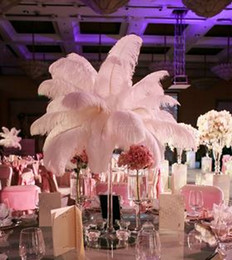15 inch feathers online-100pc 6-20 pulgadas (15-50 cm) plumas de avestruz blancas para la pieza central de la boda banquete de boda evento decoración decoración festiva z134