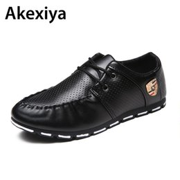 Wholesale boat shoes business casual - 2018 Spring Autumn Black White PU Leather Shoes Men's Business Shoe Man Breathable Casual Shoes Moccasins Boat Flat Shoes AA35