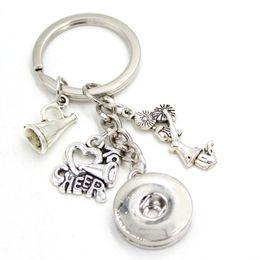 Neue Ankunft DIY Austauschbar 18mm Snap Schmuck Cheerleader Ich liebe jubeln Schlüsselanhänger Tasche Charme Schlüsselanhänger für Sport Fans Geschenk von Fabrikanten