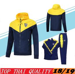 Sudaderas con capucha online-Boca Hooded Jacket chándales Wind Coat 2018 2019 Boca Junior Uniforme de entrenamiento Rain Coat Fútbol Uniforme Chaqueta traje de entrenamiento Conjunto de suéter