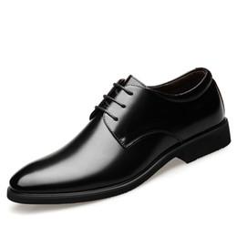 69083429c09ddb Höhe zunehmende 6 cm Männer Kleid Schuhe Split Leder Oxford Schuhe Braun  Schwarz Hochzeit Business Schuhe Männer Aufzug Derby Schuh Herren Oxfords  keil ...