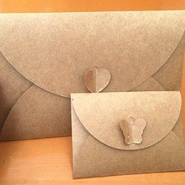 Buste farfalla online-50 Pz / lotto 10.5 * 7 CM Ripristina Antichi Sensi Europeo Amore Fibbia Busta FAI DA TE Amore Farfalla Tromba Kraft piccolo regalo buste
