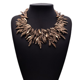 Wholesale Chip Tin - 2 Colors Fashionable Vintage Style Chunky Bling Rhinestone Leaves Chip Choker Collar Bib Necklace Women Jewelry for Party