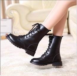 Wholesale Trendy Boots Buckles - New style 2018Fashion man women real leather thick platform mid calf martin boots with lace up and strap buckle trendy shoes T16