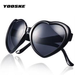 c4925283a2ff26 2019 lunettes lolita YOOSKE Belle En Forme Lolita Cadeau Lunettes De Soleil  Femmes Marque Coeur Lunettes