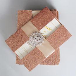 projeto de cartões do casamento do noivo da noiva Desconto Convites de casamento de ouro rosa Cartões de convite brilhante Convite de casamento de luxo com fita - conjunto de 50
