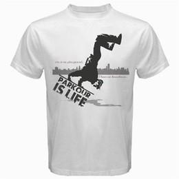 Barato Gráfico Camisetas Corto Parkour Runner Salto Escalador Vertical Swinging Urbano Camiseta Blanco Hombres Regalo O-cuello Camisetas desde fabricantes