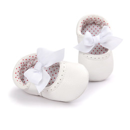weiße schmetterling schuhe mädchen Rabatt weiße Farbe Schmetterling Knoten Mädchen Jungen Turnschuhe Schuhe PU Leder Mode Newborn Babe Schuhe 0 ~ 18month