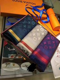 2019 nuovi disegni di avvolgimento di scialle jiangyu New Fashion Celebrity di alta qualità di design Cashmere lana sciarpa di cotone donna lettera stampa sciarpe scialle avvolgere 180 * 70 cm sconti nuovi disegni di avvolgimento di scialle