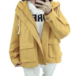 Wholesale Classic Trench Coat Women - Wholesale- Women's Classic Hooded Short Trench Coat 2017 Spring European Femme Trench Coat Loose Fit Zipper Fashion Solid Outwears XH078