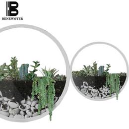 Muro di bonsai online-Vaso da parete breve Iron Art tinta unita Fiore artificiale Colorato Supporto in pietra Vasi appesi Bonsai per la decorazione domestica Artigianato regalo