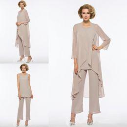 Plus Size Madre della sposa Pant Suit 3 pezzi Chiffon per abito da sposa Beach Abito da donna maniche lunghe Mothers economici Abito formale da