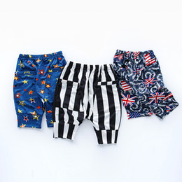 Wholesale Camouflage Pants Shorts Girls - Summer children's harem pants boys cropped girls fashion joker tide fan printed camouflage pants summer beach