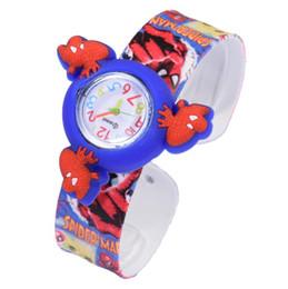 Argentina Nuevo patrón de dibujos animados Bofetada relojes Rotación Spinner Top banda colorida Batman Spiderman Cartoon Snap Slap silicona reloj cheap top snaps Suministro