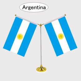 Argentina bandiere online-New Fashion Argentina Bandiera nazionale Bandiera da tavolo con standard in acciaio inossidabile Il tuo logo è benvenuto 14 * 21cm Y Style