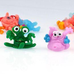 Mini TPR Soft Tape Sticky Toy poubelle bug modèle de jouet oeuf évent décompression peut être collé le mur pour coller mixte gros ? partir de fabricateur