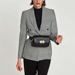 Bolsos de cintura de las mujeres de moda Classic Laice Belt Bag Alta calidad de cuero de la PU lion Pack monedero del teléfono celular para las mujeres Niñas adolescentes desde fabricantes