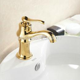 2019 água faucet ouro Luxo Dourado Bacia Torneira Do Banheiro Torneiras de Água Quente e Fria Deck Montado Único Furo Lavatório Torneira Banhado A Ouro ZR413 água faucet ouro barato
