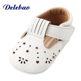 Wholesale girls new design shoes - Delebao New Design Butterfly-knot Baby Girl Shoes 0-18 Months Hook & Loop Spring Autumn Infant Toddler First Walkers Shoes