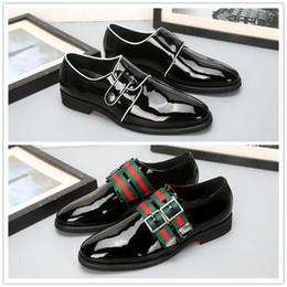 18ss lusso morbido in pelle da uomo per il tempo libero vestito scarpa  parte regalo doug scarpe fibbia in metallo slip-on marca famosa uomo lazy  falts ... 18afd7774ca