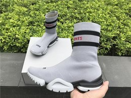 Wholesale Brand Ss - VETEMENTS SS CREW UNISES Sock Trainer Dropping RUNNING Shoes CN3307 Popular Luxury Brand Casual Shoes Grey Black Socks Shoes
