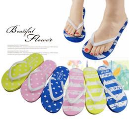EVA Çizgili Plaj Ayakkabıları Anti Kayma Çevirme Kadın Kalp Aşk Terlik Yaz Düz Sandalet Banyo Malzemeleri YW330 cheap love sandals nereden sandalet seviyorum tedarikçiler